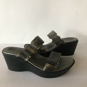 Naot Silver Leather Wedge Sandals 39 L8